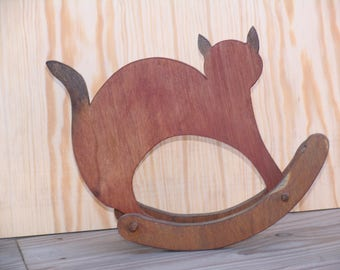 Object of decoration: Red cat