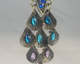 Great charm Peacock bronze decorated with pink turquoise blue rhinestone metal