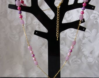 Chain necklace with pink and purple beads and golden metal graduated 63.5 cm