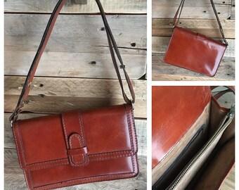 Vintage leather bag. Shop PlumeDubois