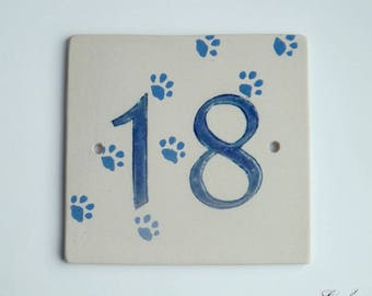 Door number '18' ceramic (stoneware), Blue Cat paws on a beige background, resistant to frost