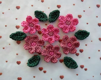 6 flowers pink hot and dusty rose and 6 green leaves crochet