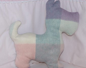 pastel Plaid dog pillow yarn for child