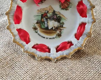 "Vintage Small ""Souvenir of Wales"" Plate!"
