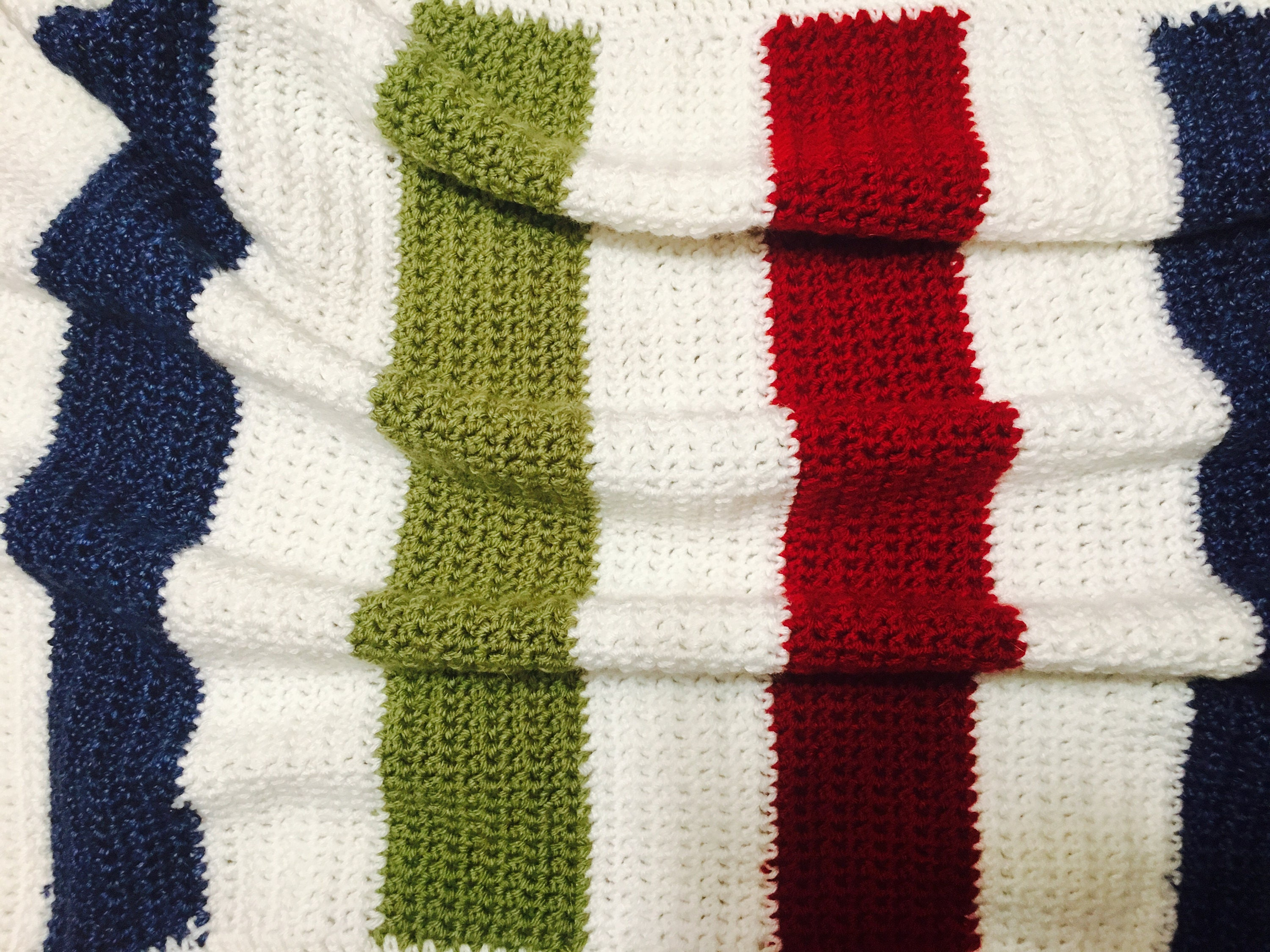 Hand crocheted classic hudson bay point blanket pattern baby zoom bankloansurffo Image collections