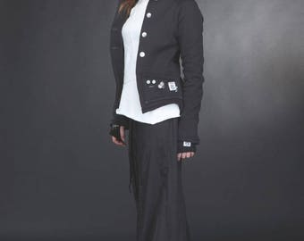 Black albatross jacket collar, tails