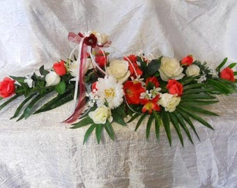 Centerpiece red and white roses for wedding