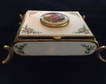Vintage jewerly box  white and gold