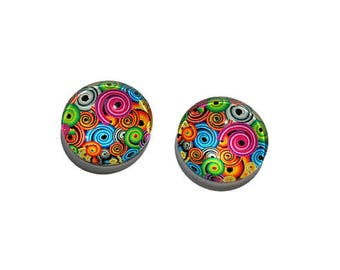 20 mm round x 2 illustrated glass cabochons