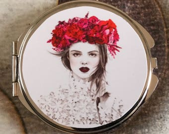 Gift for romantic young woman Pocket mirror with two mirrors inside girl flower Crown