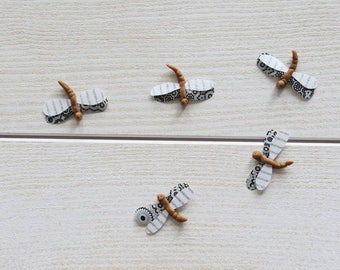 Set of 5 dragonflies grey and white decorative for wall mounting