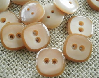 Set of 3 buttons square two holes, light brown color, size 20 mm