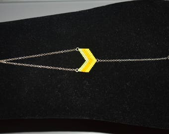 Small yellow chevron bracelet pattern