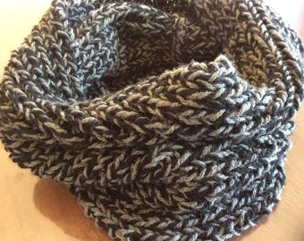 HAND KNITTED SNOOD ROUND NECK BLACK