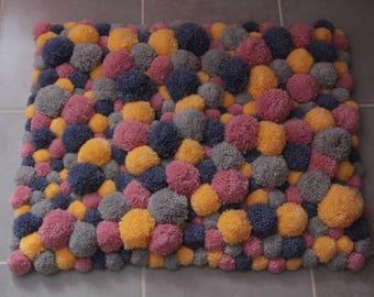 PomPoms rug wool 4 colors