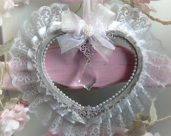 Heart shabby and romantic to hang.