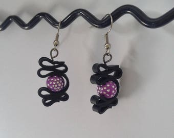 Earrings made of recycled bike tube and acrylic bead - purple bedroom