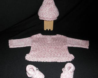 Birthstone for daughter Keychain: jacket, bonnet and booties