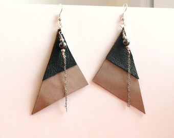 taupe and brown leather triangles earrings, pendant with beads - leather - brown beige jewelry jewelry - dangle earrings