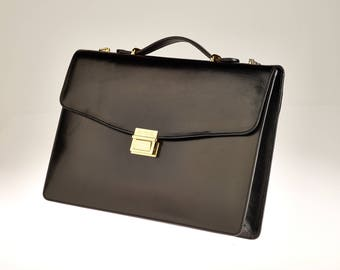 Genuine leather briefcase (gold hardware)