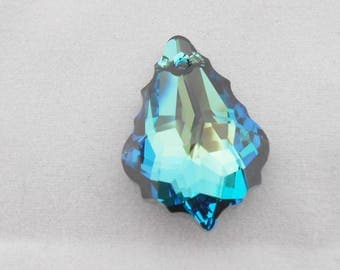 Original SWAROVSKI Crystal 22 x 15 mm Bermuda blue pendants