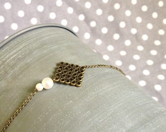 Diamond bracelet white pearls