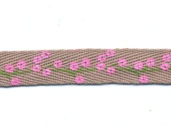 Fancy flowers with Beige twill tape