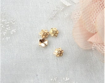 10 cups 14 carat 5 mm gold plated flowers