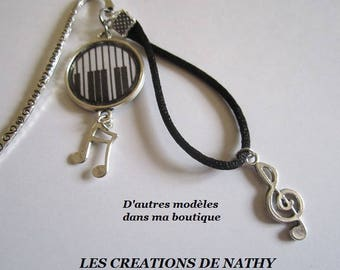 "Bookmark in silver, cabochon key piano ""Music"" charm"