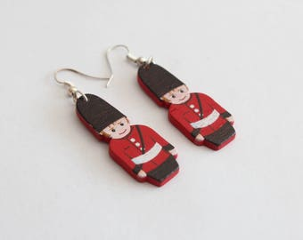 English guard wood earrings