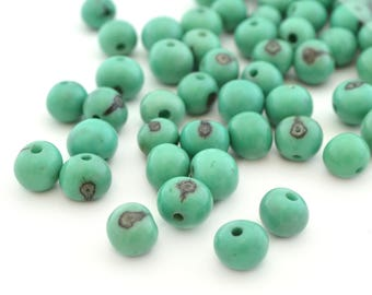 10 round Mint green jade beads in 6-10mm Acai seeds
