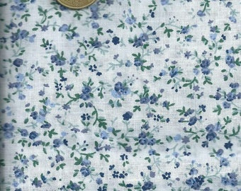 Tissue: Small blue flowers background (coupons 45 x 45 cm) white 100% cotton fine