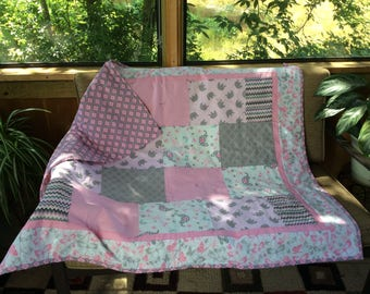 Hand tied quilt baby girl