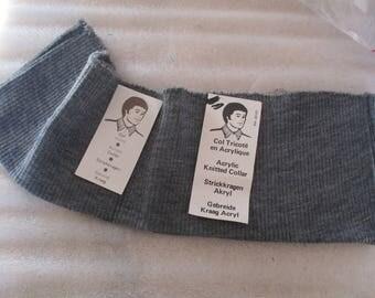 Open rib knit collar