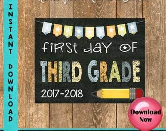 First Day of Third Grade Sign - 1st Day of School Sign Printable - First Day of School Sign - Photo Props - Chalkboard Sign