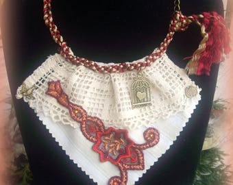 NECKLACE, TEXTILE... too beautiful... too shabby-chic...!