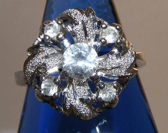 VTG Sterling Cubic Zirconia Ring size:6-3/4 with 5 Sparkling Stones ET2998