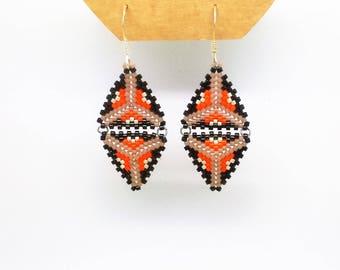 Woven diamond-shaped earrings