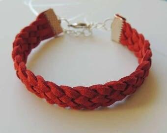Bracelet elegant red braided suede