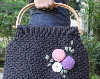 Knitted bag with wooden handle, bag with wooden handle, handbag, knitted handbag, flower, crochet bag with wooden handle, vintage bag