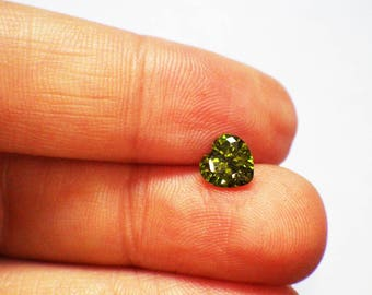 Cubic Zirconia - faceted, pointed back, 6mm heart