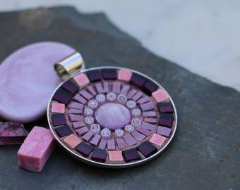 Round pendant made of mosaic glass, Terra cotta, millefiori.