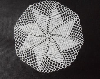 diam doily. 17 cm white cotton