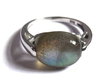 Labradorite Ring, Silver Ring, 92.5 Solid Sterling silver ring, Natural Labradorite Silver Ring, 92.5% sterling silver