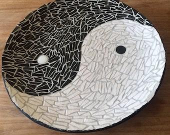 Yin yang (enamels of briare) mosaic tray