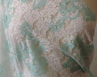Green and white pattern lace fabric floral