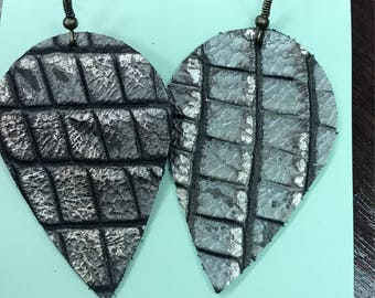Large leather leaf