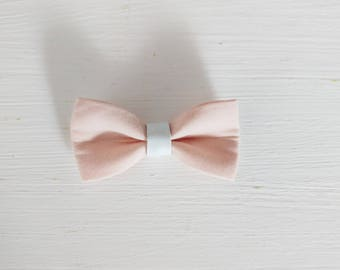 """Hair bow """"Nude and white leather"""""""