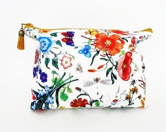 Canvas Wash bag, Floral make up bag, Floral cosmetic bag, zip bag, make up bag.