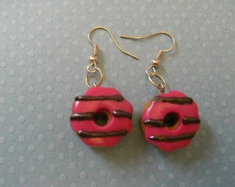PINK SAUCE CHOCOLATE DONUT EARRINGS